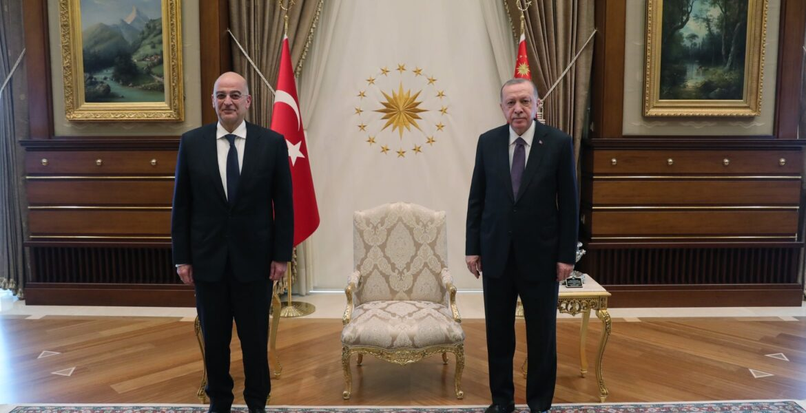 Nikos Dendias with Recep Tayyip Erdoğan on April 15, 2021.