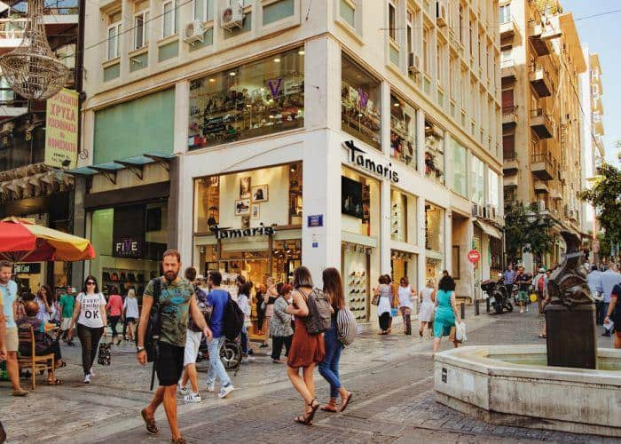Shopping hours in Athens to extend from Thursday 1