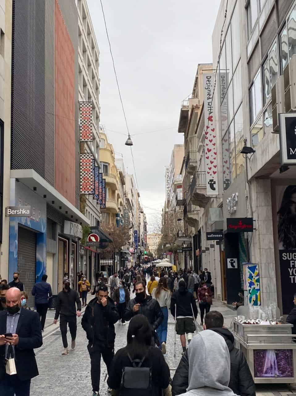 See Monastiraki and Ermou Street on the first day of partial retail reopening 15