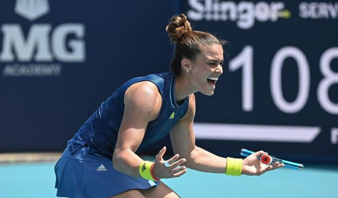 Maria Sakkari charges into Miami Open final