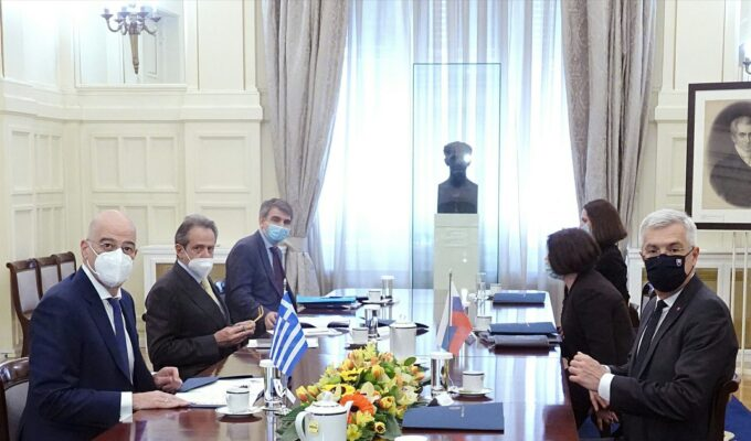 Greek Foreign Minister Nikos Dendias with his Slovak counterpart Ivan Korčok on April 21, 2021 in Athens.