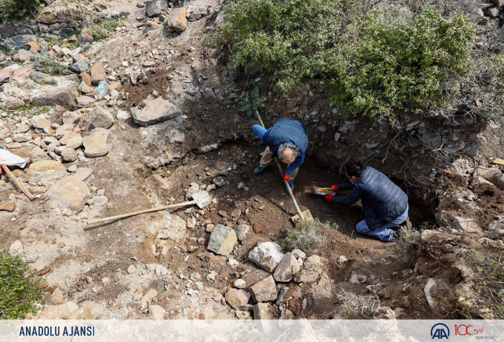 1500-year-old Greek mosaic uncovered in Turkey 4