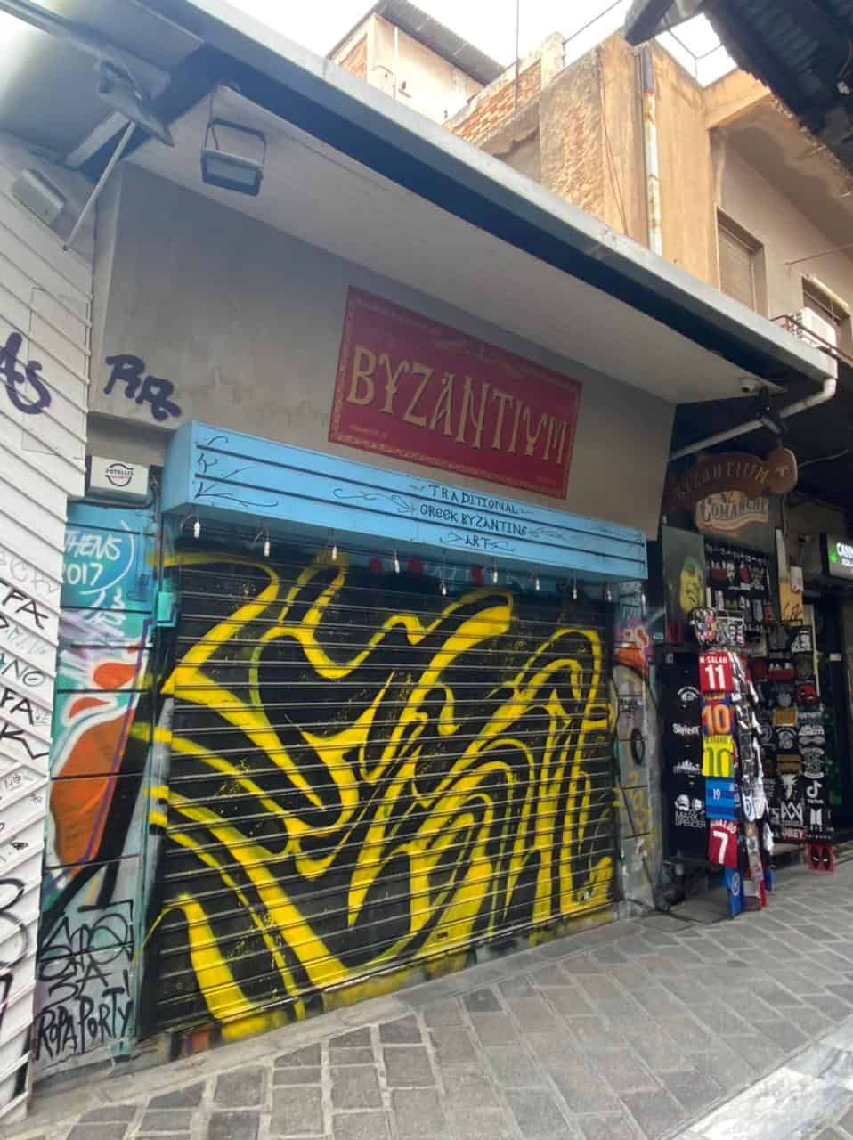 See Monastiraki and Ermou Street on the first day of partial retail reopening 12