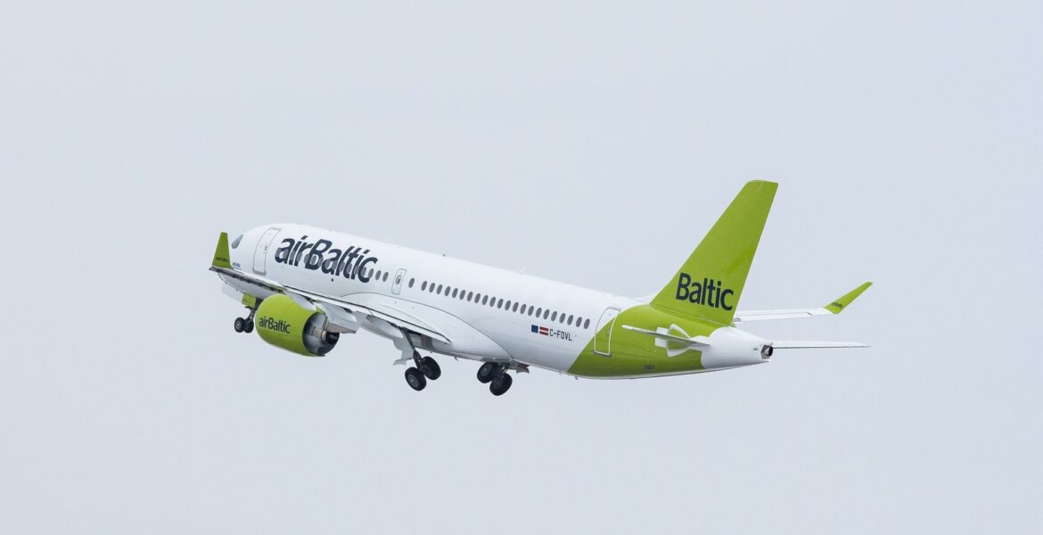 airBaltic announces new flights to Santorini and Heraklion for summer 2021