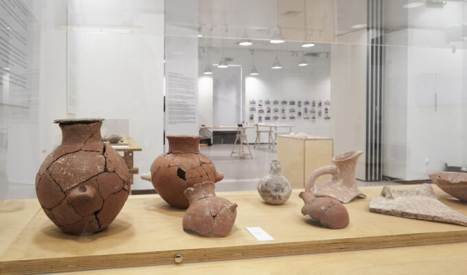 Archaeological artefacts from Keros and Daskalio at Athens Municipal Gallery