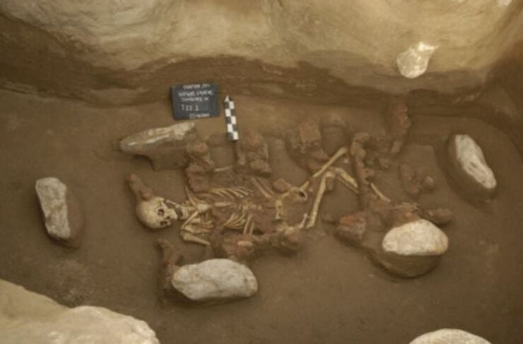 Researchers discover genetic similarities between today's Greeks and those from 2,000 BC 2