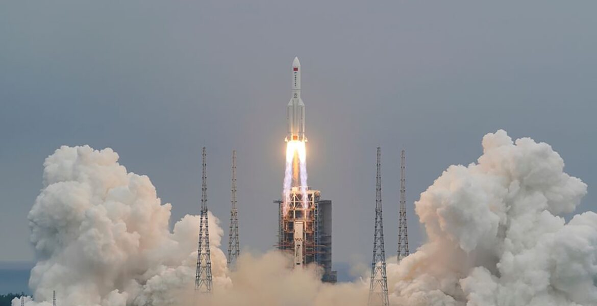 Chinese rocket expected to crash into Earth this weekend May hit southern Europe (updated) 1