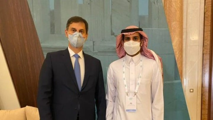 Tourism Minister Harry Theoharis and his Saudi counterpart Ahmed Al Khateeb