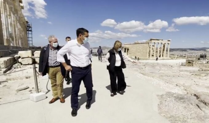 """Tsipras at the Acropolis: """"Stop abusing our cultural heritage"""""""