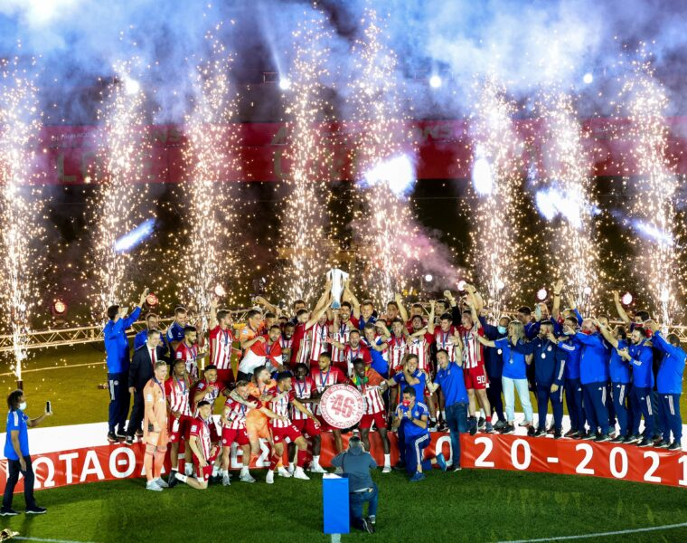 Olympiacos celebrate its 46th Greek title