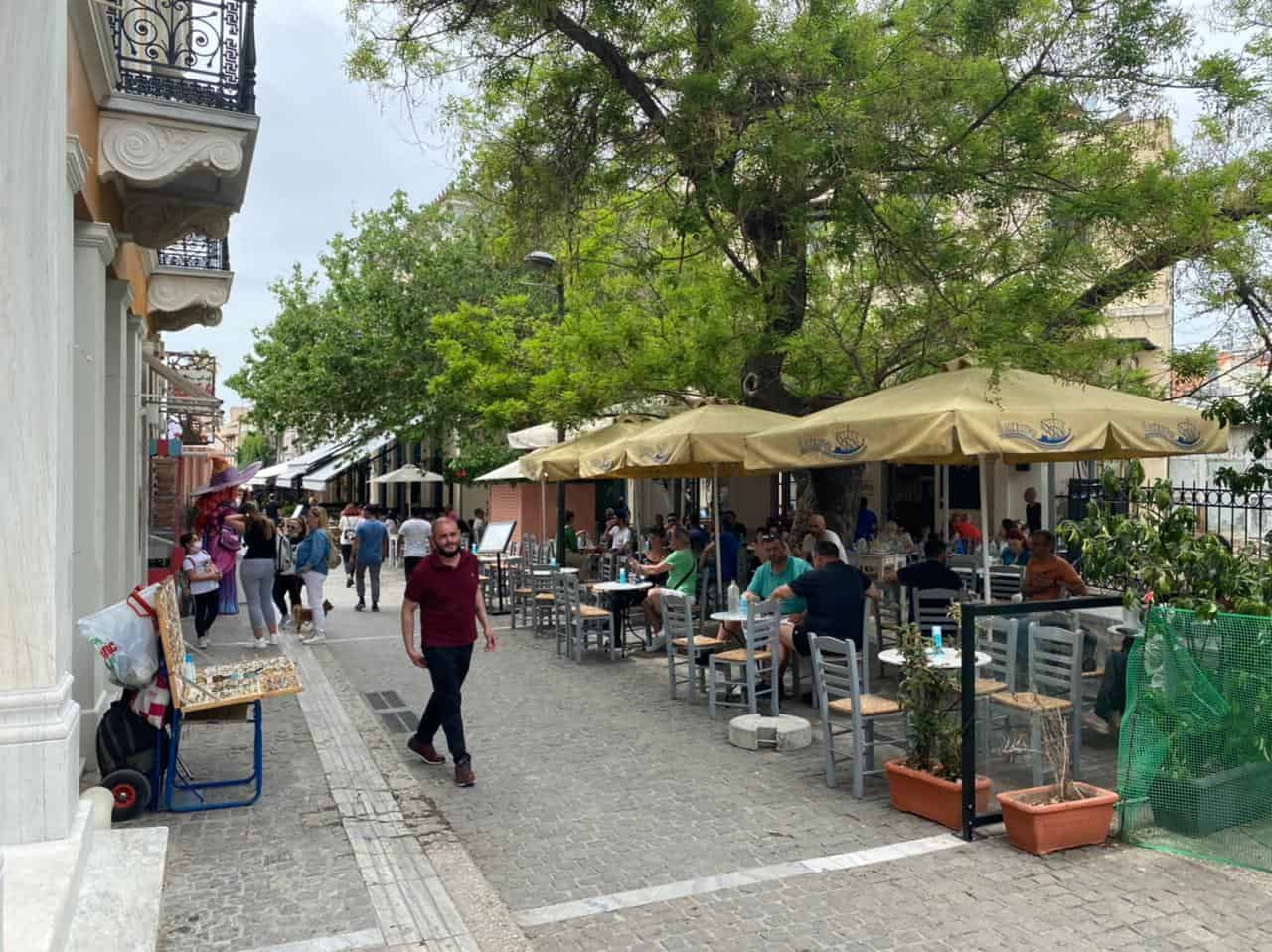 Cafes and Restaurants finally open in Greece 11