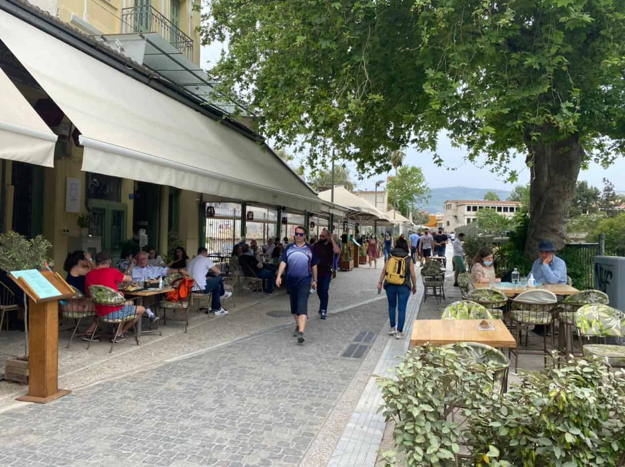 Cafes and Restaurants finally open in Greece 15