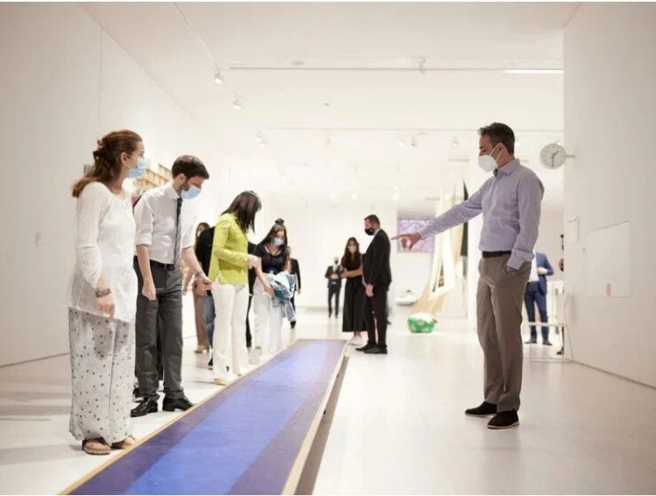 PM visits contemporary art museum with five students 2