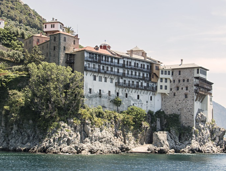 Solar panels to be installed on Mount Athos, reducing oil and wood dependence at monasteries