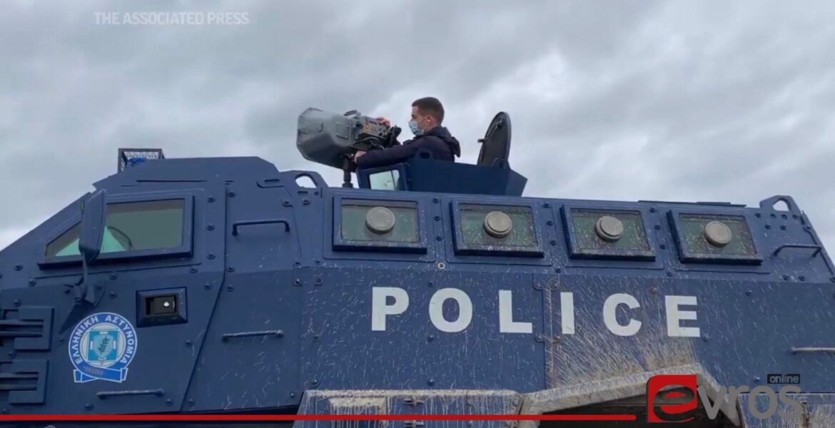 Greece installs 'powerful sound cannons' to deter migrants
