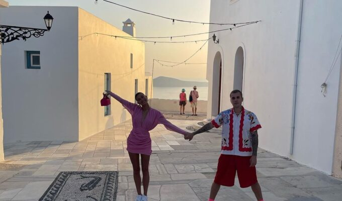 Justin Bieber and his wife Hailey getaway to Greece in Milos 3
