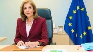EU Health Commissioner to meet with Greek PM over vaccination strategy 2