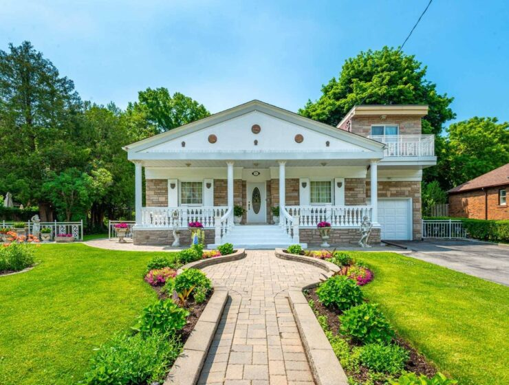 My Big Fat Greek Wedding house is up for sale 3