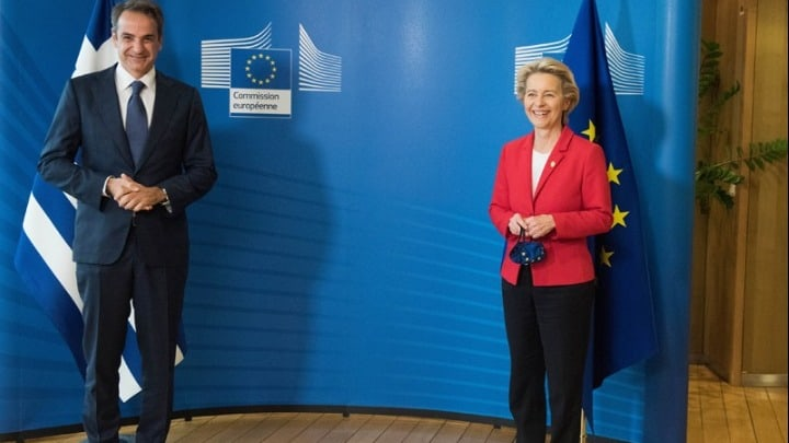 """Greek Prime Minister and EU Commission President present """"Greece 2.0"""" 10"""