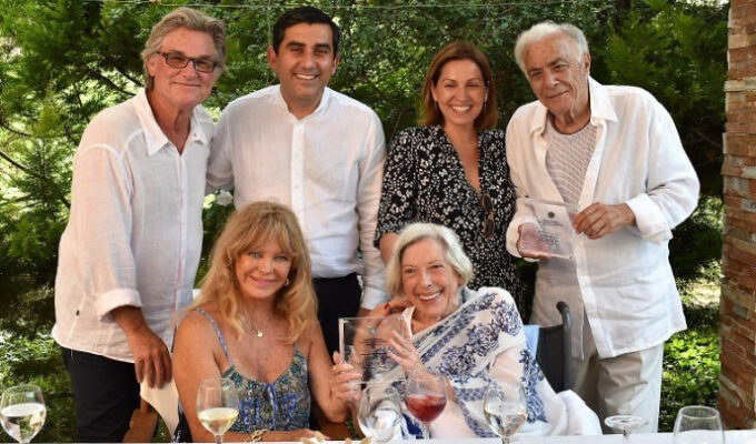 Skiathos offers honorary citizenship to Hollywood's Richard Romanus and Anthea Sylbert, in ceremony that also brings Goldie Hawn and Kurt Russell 4