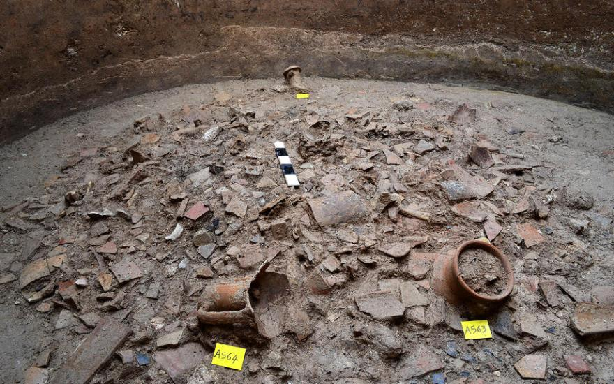 Archaeological findings to be displayed in future Piraeus metro station 1