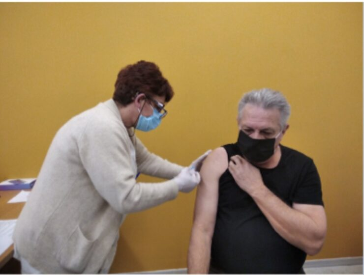 Greek teachers lead by example with 73% already vaccinated 3