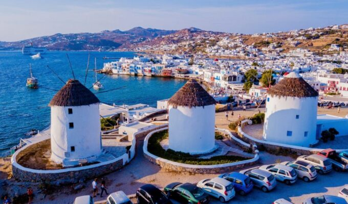 Mykonos to be 'freed' today from Covid restrictions 8