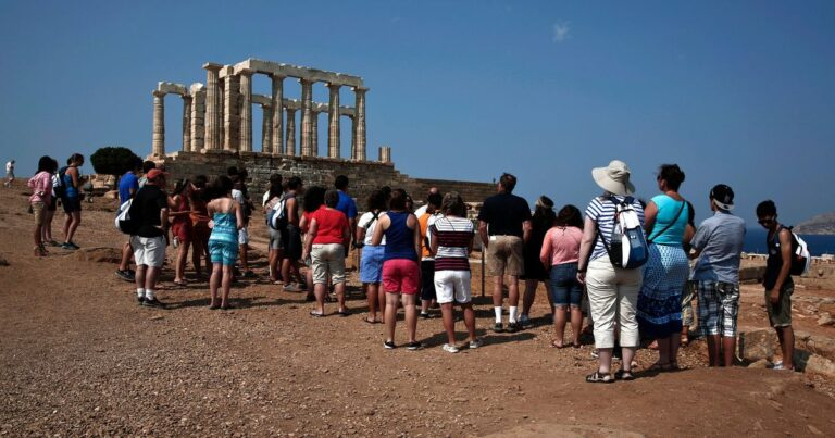 Greece grants free entry to student tour guides