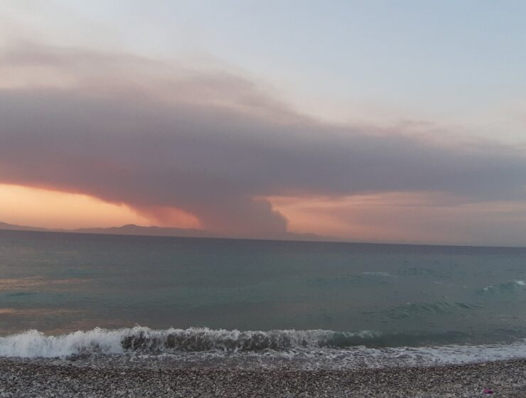 Wild Fires raging in South Turkey, engulfing here the coastal town of Marmaris. 2