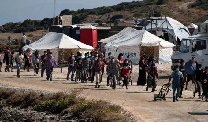 Illegal migrant numbers drop below 5000 on Lesvos island for the first time 2