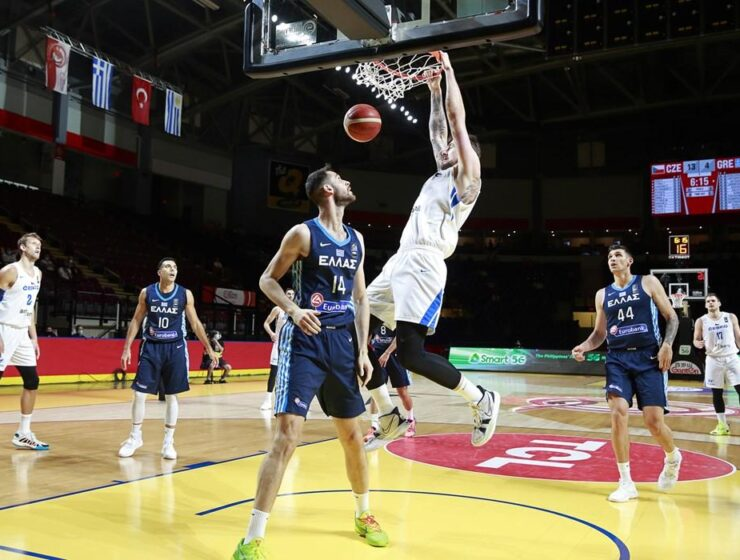 Czech Republic reached its 1st Olympic basketball appearance after a win over Greece 10