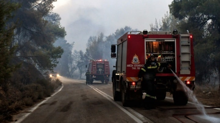68 fires break out in Greece within 24 hours 4