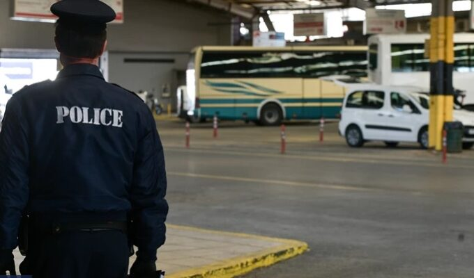 Entire Greek family with four underage children held hostage 3