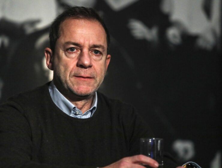 Former Artistic Director of the National Theatre denies new rape allegations 32