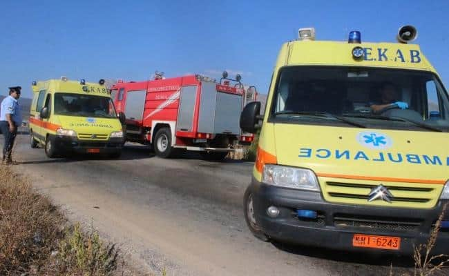 Injured firefighters and civilians rushed to hospital 4
