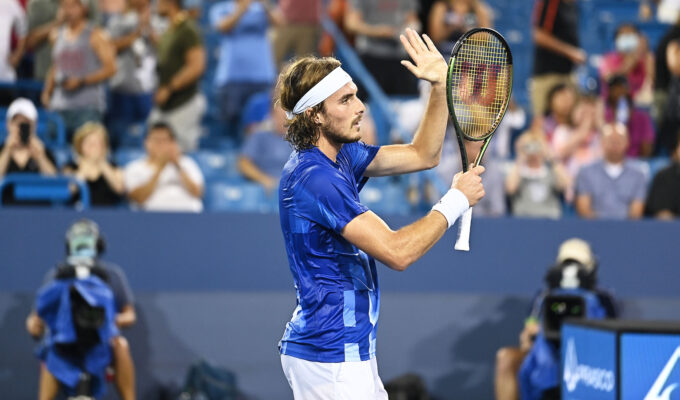 Stefanos Tsitsipas holds off Auger-Aliassime 6-2, 5-7, 6-1 to reach the final four. 5