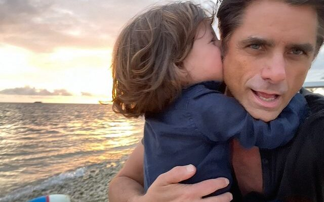 John Stamos says he always wanted kids but didn't think he'd 'meet the right person' 3