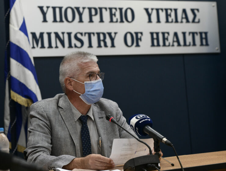 Fourth pandemic wave sends almost 30% more Greeks into intensive care 5