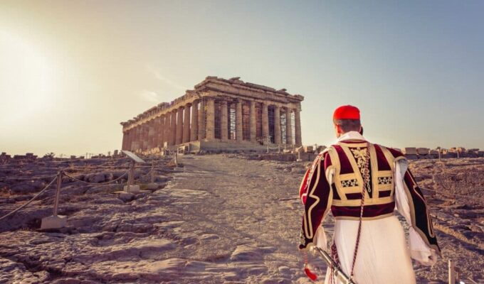 THE PARTHENON REPORT: Looters and Lovers 5