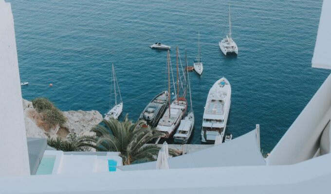 Santorini tourist boat operators busted and fined for tax evasion 7