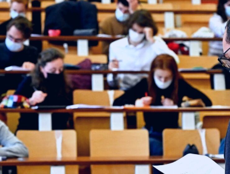 Greek university students lead vaccination race at 73% 5