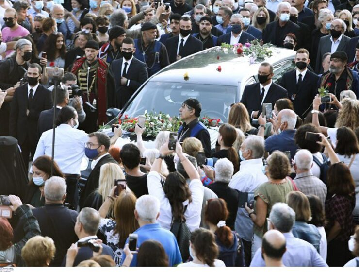 """Funeral of Mikis Theodorakis at Galata, Chania Crete- The """"last goodbye"""" to the great artist (live) 2"""