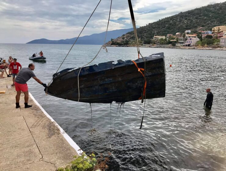 KEFALLONIA: Divers do massive underwater clean up of Agia Efimia Bay 1