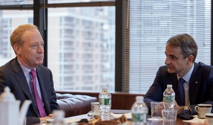 PM Mitsotakis meets with Microsoft president Brad Smith in New York Greek Prime Minister Kyriakos Mitsotakis met with Microsoft's president and vice-chair, Brad Smith. Mitsotakis is in New York to attend the 76th UN General Assembly. 2
