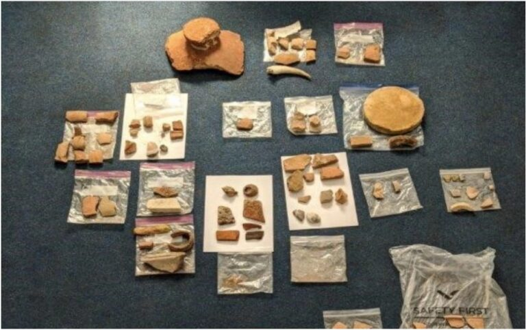 American couple arrested at Athens airport with antiquities