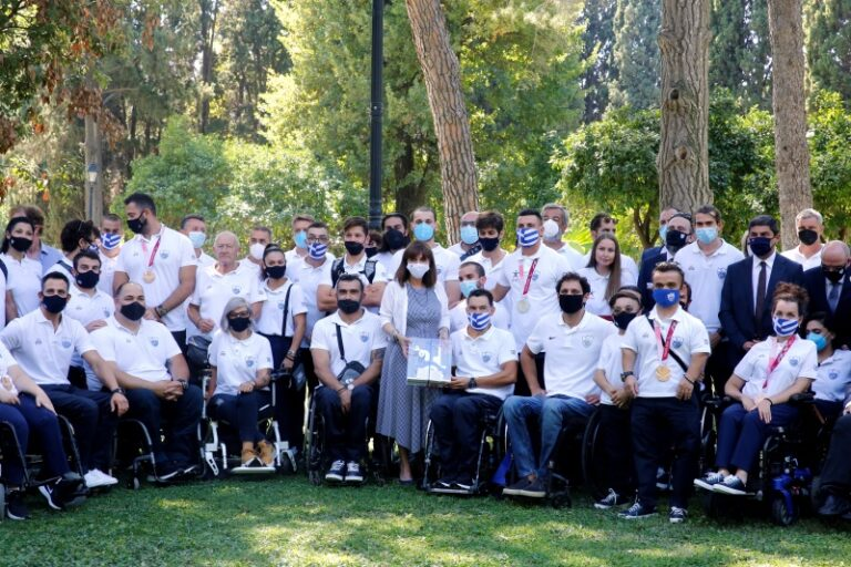 President welcomes Greek Paralympics Squad at Presidential Mansion